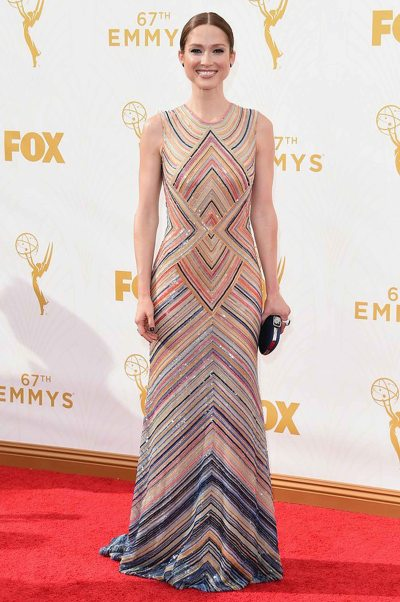 Ellie Kemper in a Naeem Khan dress and Swarovski bag